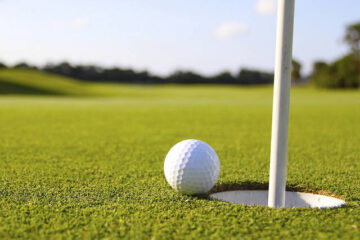 Δύο χιλιοστά μακριά γκολφ