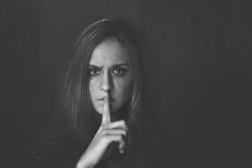 Τραύμα: αναζητάμε τον ίδιο τραυματικό δεσμό στην ενήλικη ζωή;